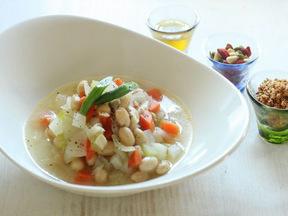 野菜と豆のシンプルスープ