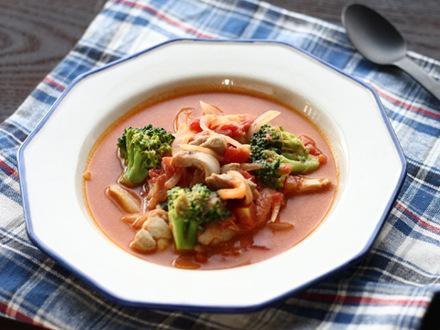 鶏肉とブロッコリーのトマトクリームスープ
