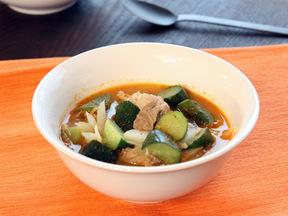 豚肉とキュウリのチゲスープ