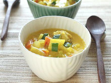 豆乳サフランベジとチキンのスープ