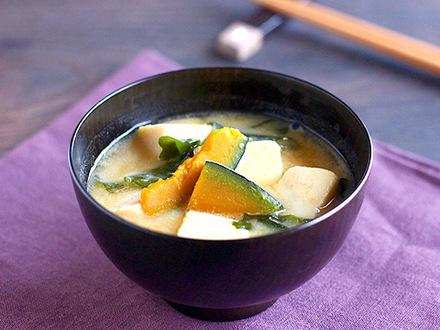 高野豆腐のゴマ味噌汁