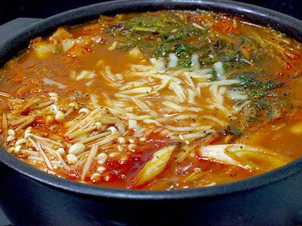キムチーズ味噌鍋